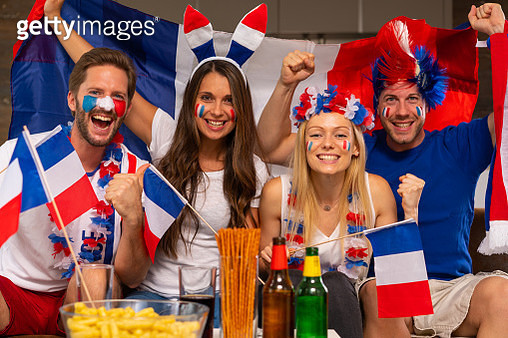 cheering french or russian soccer fans - gettyimageskorea