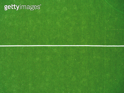 Green soccer or football field with white line on artificial grass. - gettyimageskorea