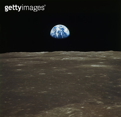 APOLLO 11: EARTH, 1969. /nA view of earth rising over the Moon's horizon. Photographed from the Apollo 11 spacecraft, 1969. - gettyimageskorea