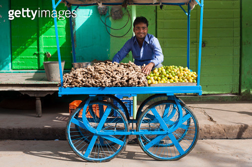 Stall selling ginger and lemons - gettyimageskorea