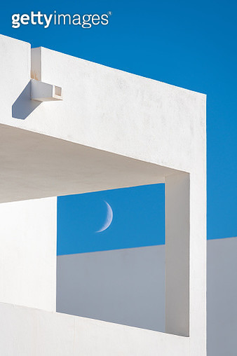 Modern Minimalist Architecture, buildings details with blue sky and half moon - gettyimageskorea