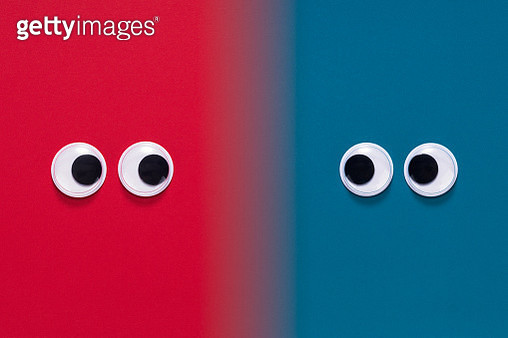 Googly Eyes Face to Face - gettyimageskorea