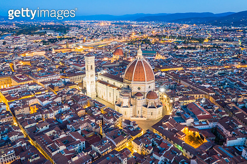 Florence Cathedral and the historic city of Florence at dusk. (Dusk) - gettyimageskorea