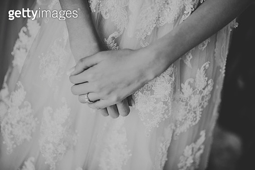 Midsection Of Bride Wearing Wedding Dress During Ceremony - gettyimageskorea
