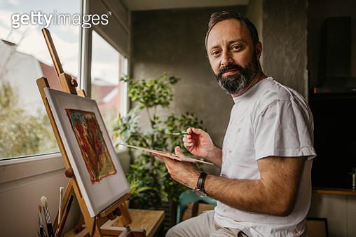 Mature artist on his art studio - gettyimageskorea