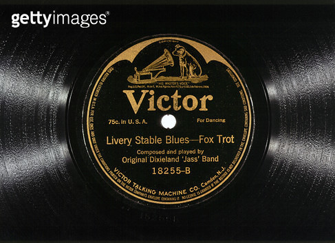JAZZ RECORD, 1917. /nRecord of 'Livery Stable Blues' recorded by the Original Dixieland 'Jass' Band in 1917. - gettyimageskorea