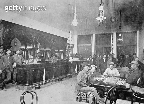 <b>Title</b> : George Laman's saloon in Jerome, Arizona Territory, 1897 (b/w photo)<br><b>Medium</b> : black and white photograph<br><b>Location</b> : Private Collection<br> - gettyimageskorea