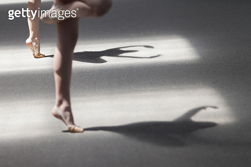 Shadow of two gymnastics girls - gettyimageskorea