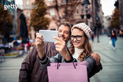 Couple taking a Selfie - gettyimageskorea