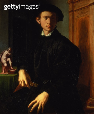 <b>Title</b> : Portrait of a young man, c.1532-40 (oil on panel)<br><b>Medium</b> : oil on panel<br><b>Location</b> : Galleria degli Uffizi, Florence, Italy<br> - gettyimageskorea