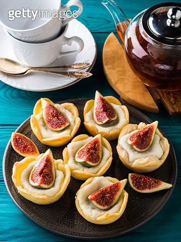 Tartlets with ricotta and figs - gettyimageskorea