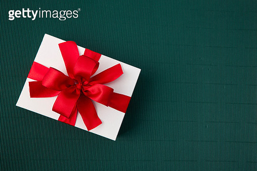 High Angle View Of Gift Box On Table - gettyimageskorea