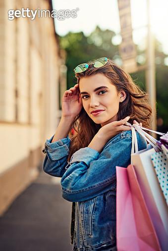 Enjoying my summer by going shopping - gettyimageskorea