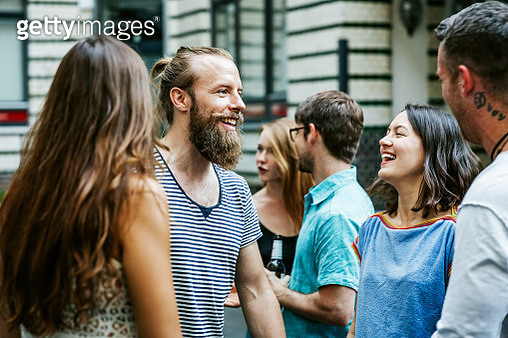 A Group Of Friends Meeting Together At Barbecue - gettyimageskorea