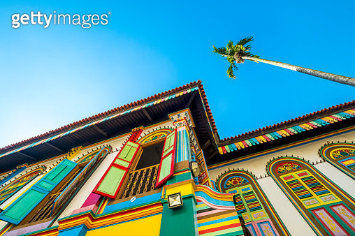 Colorful building exterior in Little India - Singapore - gettyimageskorea