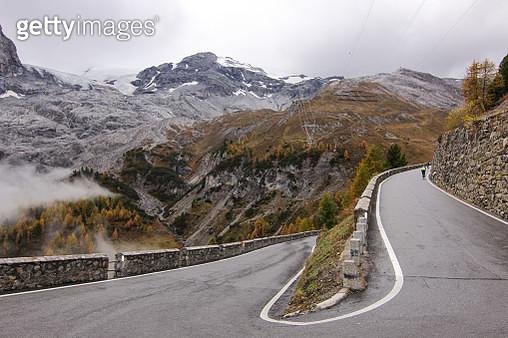 Cycling Stelvio Autumn Mountain Glacier - gettyimageskorea