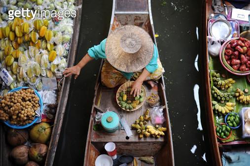Floating Market - gettyimageskorea