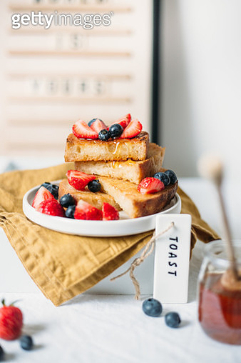French toast with berry - gettyimageskorea