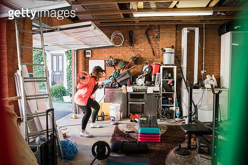 Garage Home Workout - gettyimageskorea