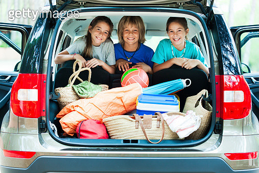 Happy children ready for vacation. - gettyimageskorea