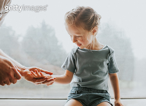 Explaining to a Child - gettyimageskorea