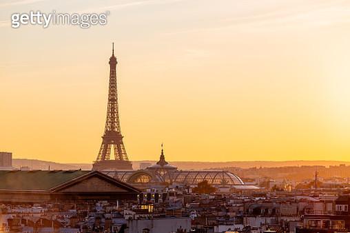 Eiffel Tower and Paris skyline at sunset, Paris, France - gettyimageskorea