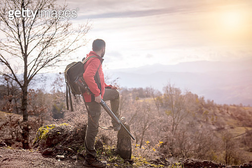 bushcraft hunter with rifle outdoors - gettyimageskorea