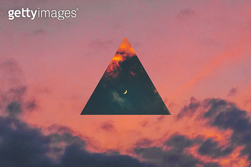 Creative picture of dramatic sunset sky with triangle mirror reflection. - gettyimageskorea