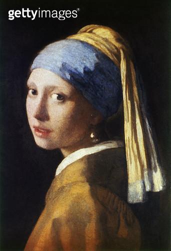 VERMEER: EARRING, c1665. /n'The Girl with a Pearl Earring.' Oil on canvas, Johannes Vermeer, c1665. As it appeared prior to restoration in 1994. - gettyimageskorea