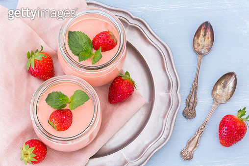 Two glasses of strawberry trifle with mascarpone cream and Amarettini - gettyimageskorea