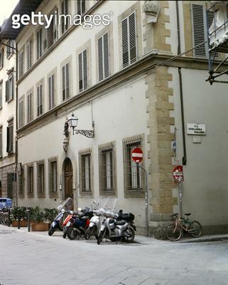 <b>Title</b> : Facade of the Casa Buonarroti (photo)Additional Infoon the Via Ghibellina; Michelangelo bought three houses in 1508; nephew unit<br><b>Medium</b> : <br><b>Location</b> : Florence, Italy<br> - gettyimageskorea