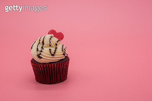 Delicious cupcake for Valentine Day close-up - gettyimageskorea