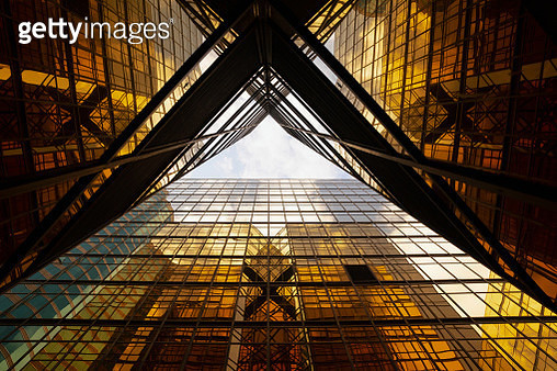 directly below view of modern golden architecture,Hong Kong,China. - gettyimageskorea
