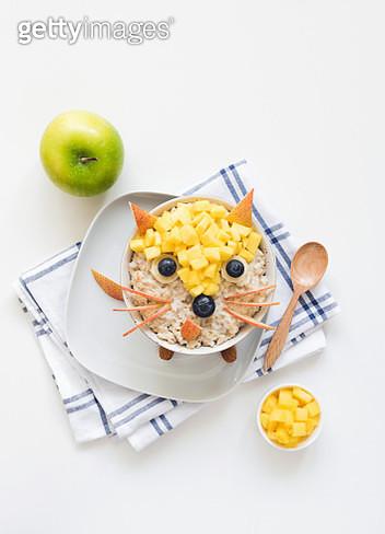 Oatmeal Porridge With Cute Funny Face, Kids Breakfast - gettyimageskorea