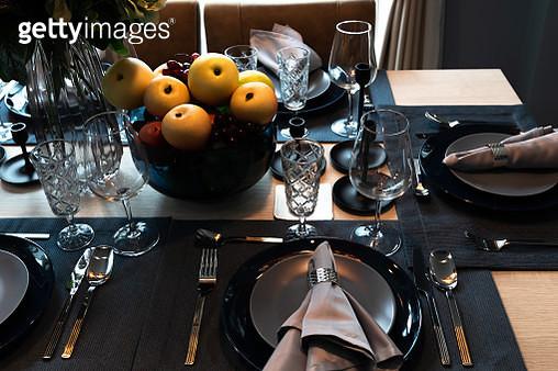 Luxury  tableware set in restaurant. elegant table set in vintage style dining room interior - gettyimageskorea