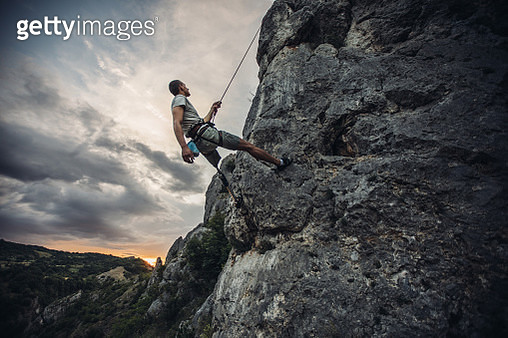 Disability guy climber - gettyimageskorea