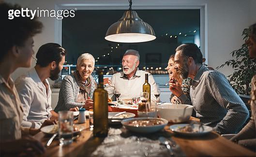 Family having breakfast on Christmas morning. - gettyimageskorea