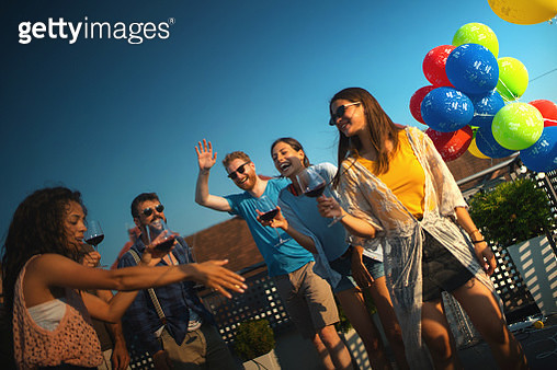 Rooftop party on a summer afternoon - gettyimageskorea