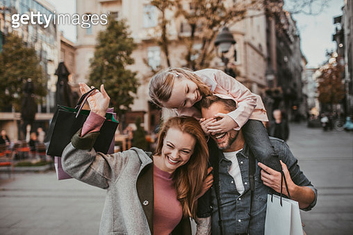 Family Shopping - gettyimageskorea