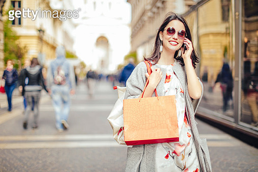 Beautiful woman spending time in the city - gettyimageskorea