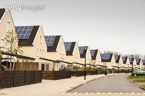 Solar panels on houses in Sun city, Heerhugowaard, Netherlands. - gettyimageskorea