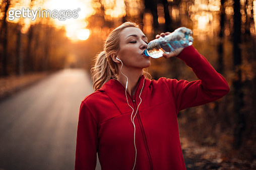 Athlete drinking water - gettyimageskorea