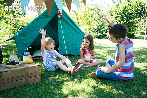 Little friends having backyard party - gettyimageskorea