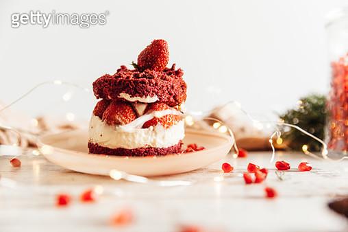 Close-up freshness  strawberry cake - gettyimageskorea