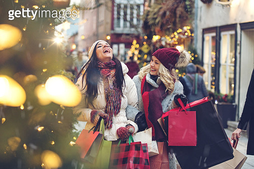 Christmas Shopping - gettyimageskorea