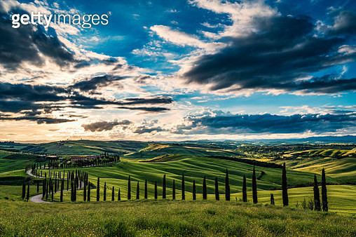 Tuscany Landscape At Sunset - gettyimageskorea