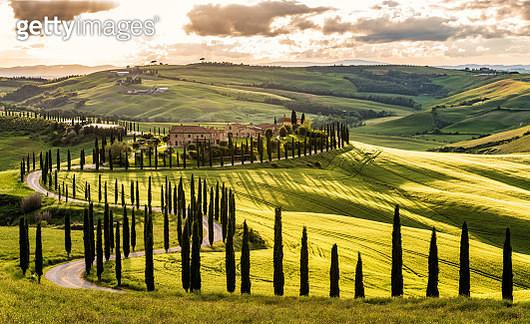 Tuscany Landscape At Sunset - gettyimageskorea