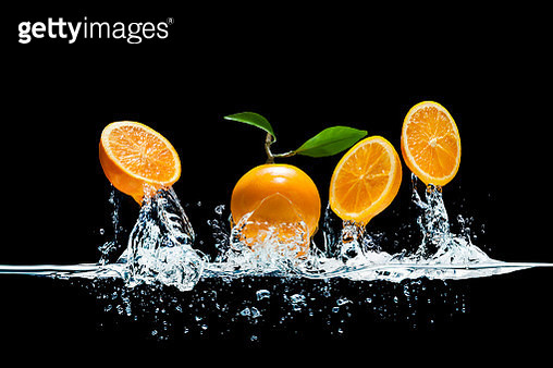Oranges Jump out from water - gettyimageskorea