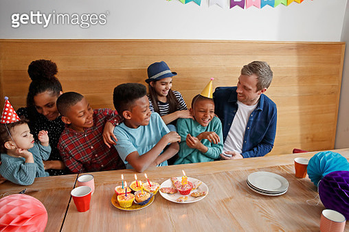 Family with five children celebrating birthday - gettyimageskorea