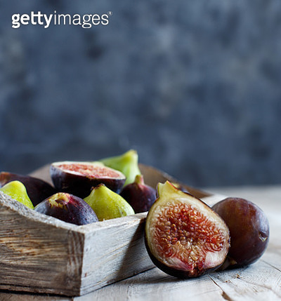 Green and purple figs - gettyimageskorea
